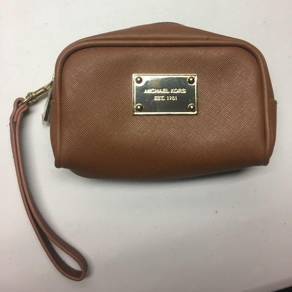 Michael Kors Handbags - Michael Kors makeup travel bag